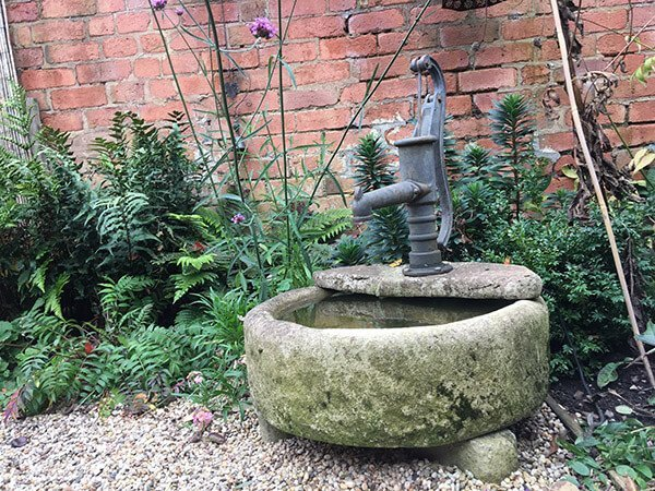 water feature for landscape gardening